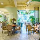 Cho thuê nhà mặt tiền đang kinh doanh nhà hàng đường Quang Trung. Liên hệ: 0901.1234.95