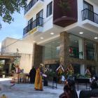 Cho thuê mặt bằng 2 MT 270 m2, kinh doanh cà phê và siêu thị gần biển Phạm Văn Đồng, Đà Nẵng