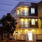 Cho thuê nhà MT, 3 tầng, 5 phòng ngủ, 4 tolet, 2 phòng khách, 1 bếp, DT 300m2, full nội thất