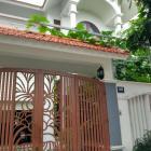 Biệt thự cho thuê nằm khu An Thượng, gần biển.
