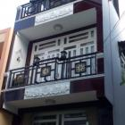 Cho thuê nhà 3 tầng mặt tiền 6m đường Quang Trung, Hải Châu, Đà Nẵng hướng Đông Bắc, kẹp kiệt