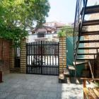 Nhà đẹp 2 tầng, 2 căn hộ khu Tân Thái - B544