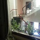 Cho thuê nhà MT trung tâm quận Ngũ Hành Sơn, gần trường Kinh tế, 4 tầng, có sân vườn